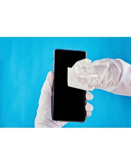 désinfection d'un smartphone téléphone avec lingettes safe touch +
