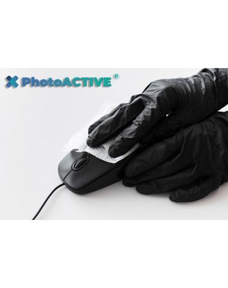 Application de PhotoACTIVE en spray sur les souris et les objets informatiques